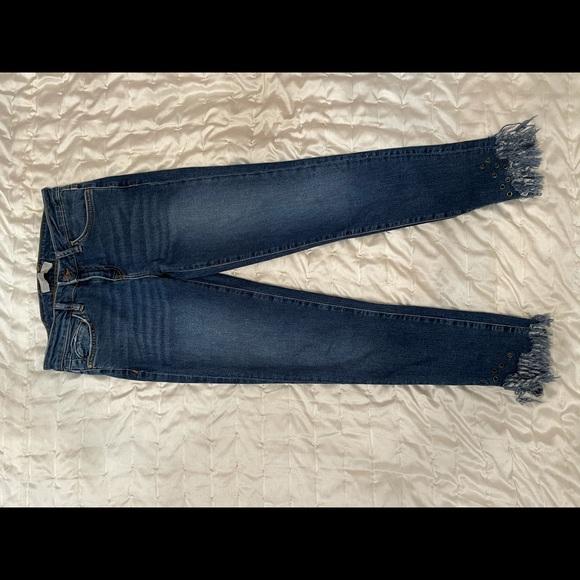 Zara Basic Z1975 Denim Grommet Fringe-Hem Jeans